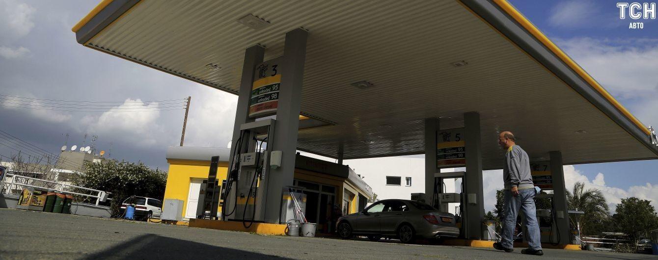 Автогаз упал в цене к годичному минимуму