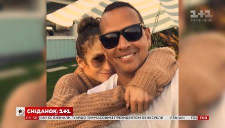 Дженніфер Лопес чуттєво привітала коханого з їхньою річницею