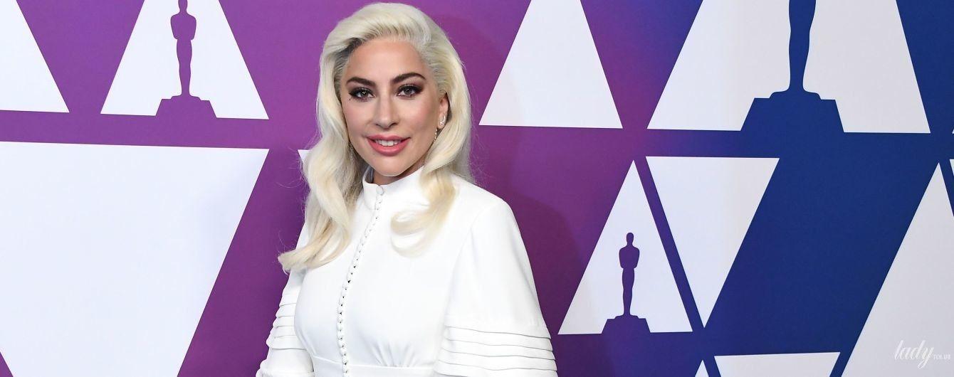 """В нежном образе от Louis Vuitton: Леди Гага на завтраке номинантов на """"Оскар"""""""