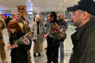 Українці, яких два місяці утримували під вартою в Грузії, повернулися додому - Семенченко