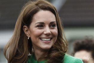 В яскравій сукні та черевиках на шнурівці: герцогиня Кембриджська здивувала новим образом