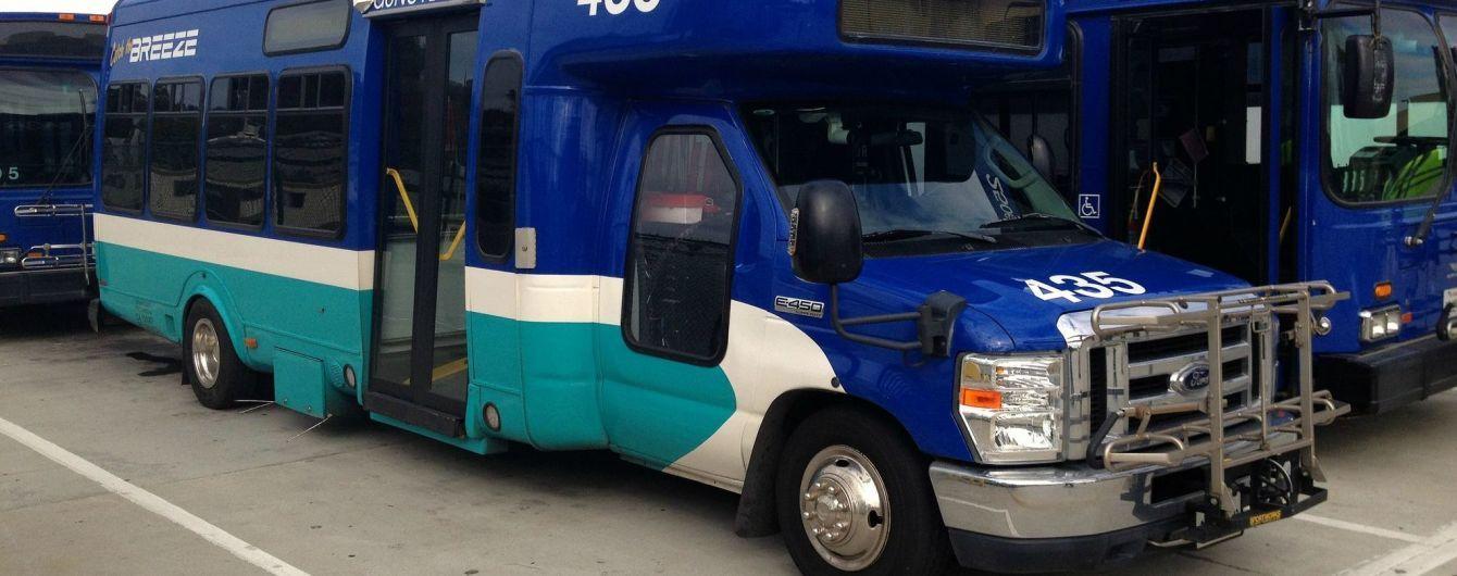 Электрические фургоны Ford приобрела почта США