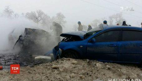 """Неподалеку КППВ """"Марьинка"""" произошло смертельное ДТП: шесть человек погибли"""