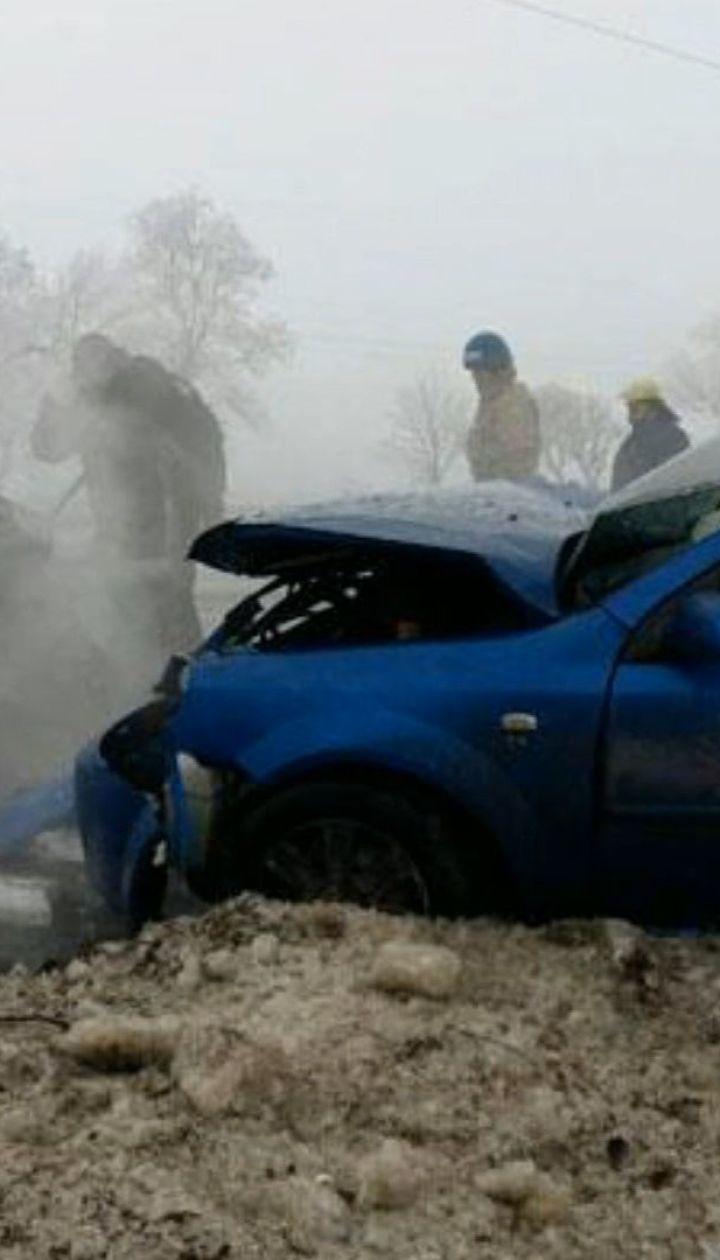 """Неподалік КППВ """"Мар'їнка"""" сталася смертельна ДТП: шестеро людей загинули"""