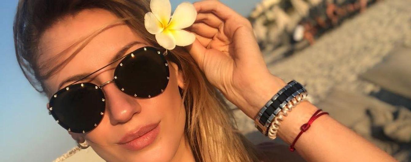 Леся Никитюк в бикини похвасталась фигурой в лучах солнца
