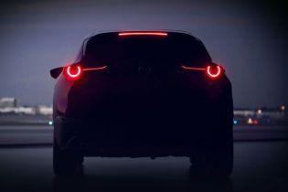 Mazda інтригує тизером компактного кросовера