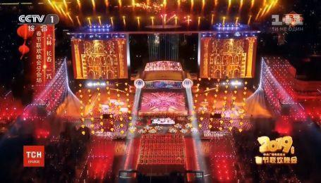 Зрелищные шоу и масштабные празднования: в мире отмечают китайский Новый год