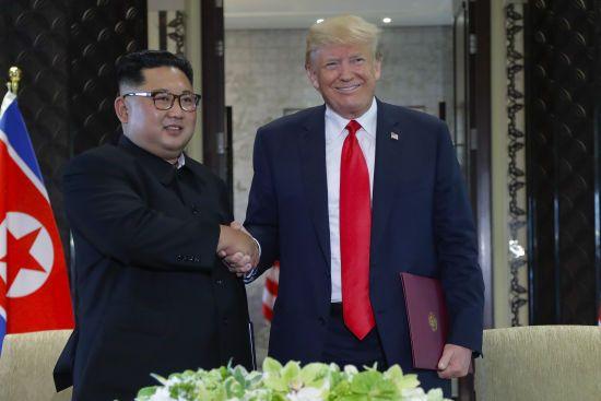 Не підганяє: Трамп не поспішає прискорювати денуклеаризацію КНДР