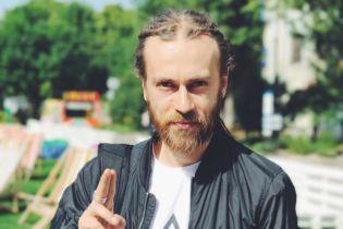 В Москве в последний путь провожают рэпера Децла – онлайн-трансляция
