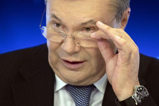 """Янукович """"низько вклонився"""" українцям, які обрали Зеленського президентом"""