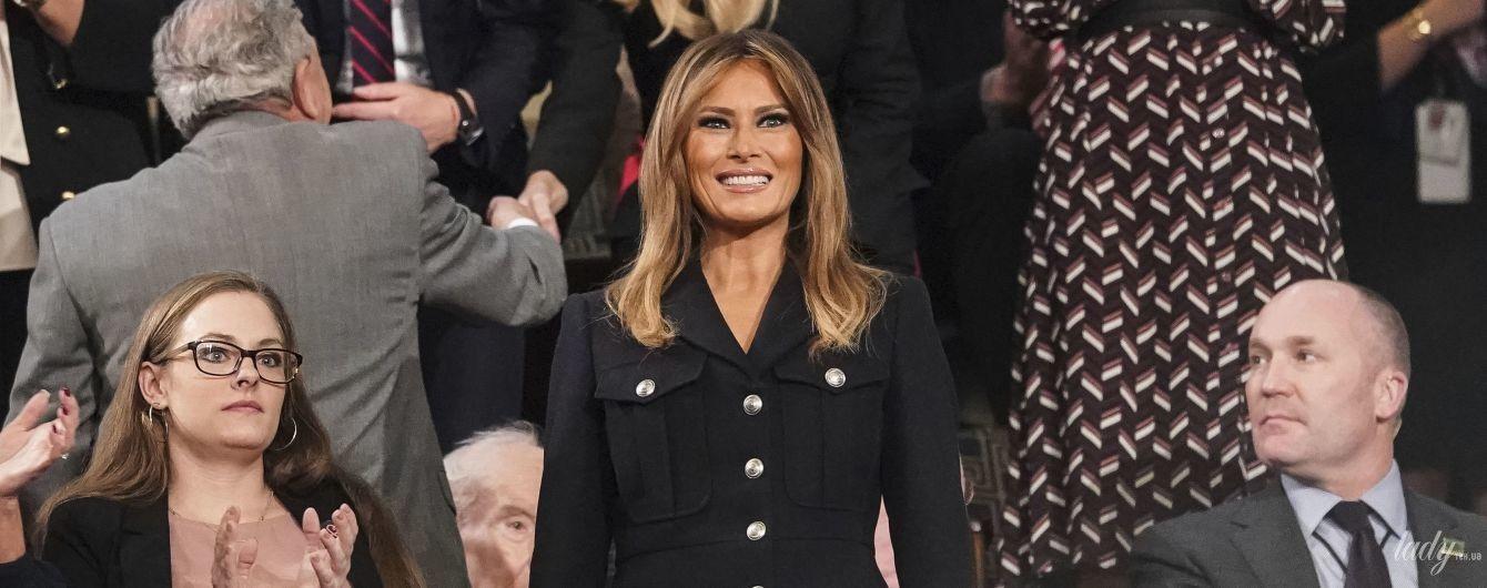 Мелания Трамп надела на выступление мужа элегантное пальто от Burberry