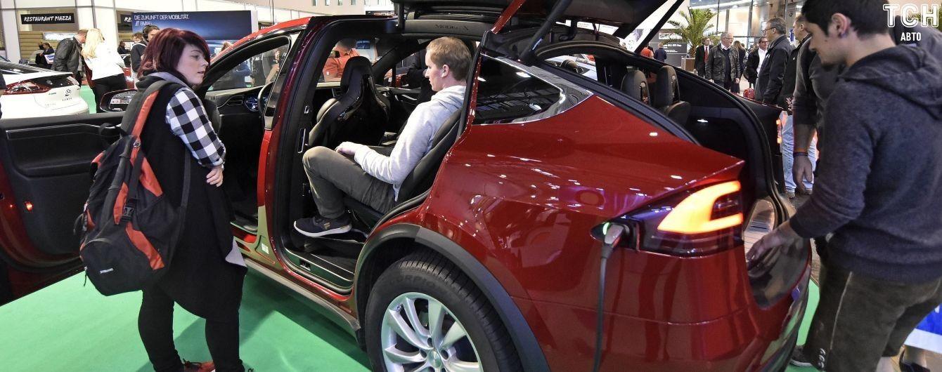 Бизнесмен готовится открыть автосалон Tesla в Украине