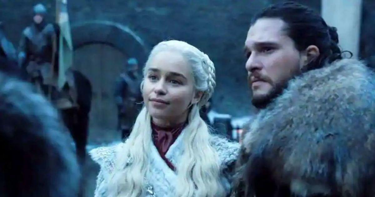 """Трон з очима дракона: у Мережі представили офіційний постер заключного сезону """"Гри Престолів"""""""