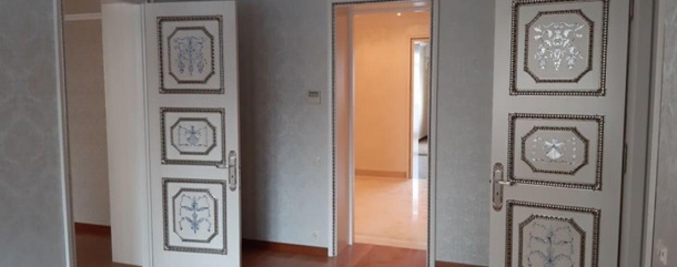 Киевскую квартиру Януковича освятил священник и пришел смотреть первый потенциальный арендатор