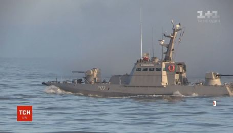 Українські військові провели навчання в Азовському морі