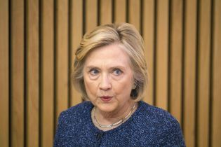 Подарунок Путіну: Клінтон різко розкритикувала вихід США із договору про ракети