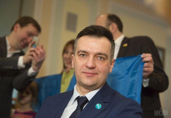 ЦВК зареєструвала кандидатом у президенти екс-журналіста Гнапа, довкола якого вирує скандал із грошима на армію