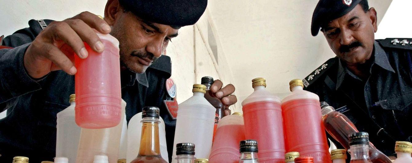 В Индии самодельный алкоголь убил почти 40 человек