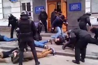 Расследованием избиения активистов под управлением полиции займется ГБР