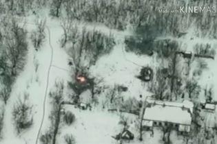 В сети обнародовали видео уничтожения украинскими военными БМП боевиков на Светлодарской дуге