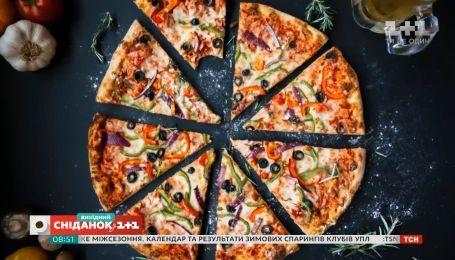 Кур'єр з доставки піци подолав сотні кілометрів, аби здійснити мрію хворого на рак чоловіка