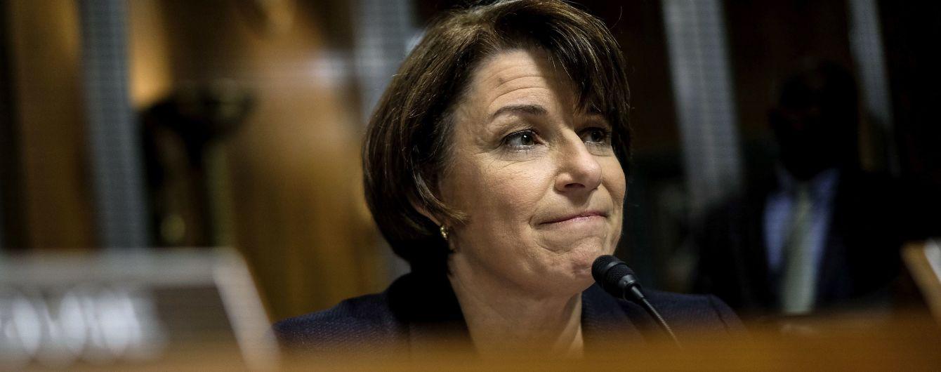 Команда демократів-претендентів на пост президента США поповнилась сенаторкою