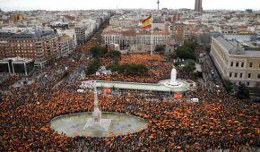 """У Мадриді 45 тисяч іспанців протестували проти """"м'якої політики"""" уряду щодо каталонських сепаратистів"""