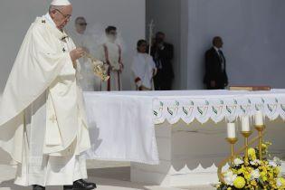 Папа Римський зобов'язав усіх священиків повідомляти про випадки сексуального насильства