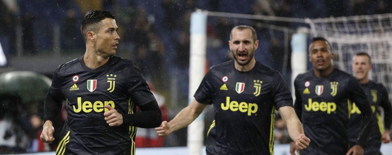 Роналду нокаутировал одноклубника мячом в матче Чемпионата Италии