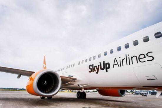 Українська авіакомпанія запускає регулярні рейси в ОАЕ