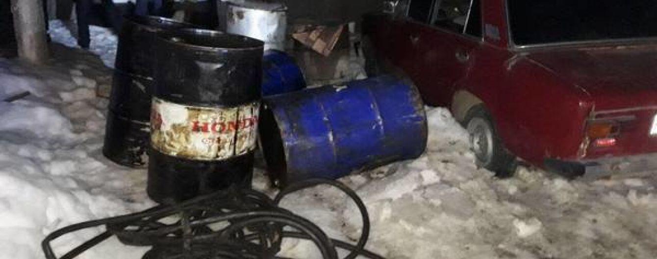 """На Харьковщине разоблачили хищение тонн топлива """"Нафтогаза"""" из железнодорожных цистерн"""