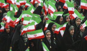 """Крики """"Смерть Америке"""" и восхваления власти. В Иране празднуют 40-летие Исламской революции"""