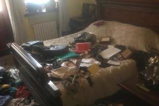 Невідомі розгромили квартиру керівника штабу Богомолець в Одесі