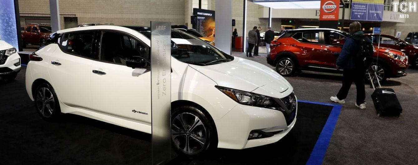 Uber стимулирует таксистов покупать электрокары Nissan Leaf