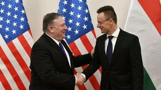 Помпео призвал Венгрию поддержать Украину: не дайте Путину вбить клин между друзьями