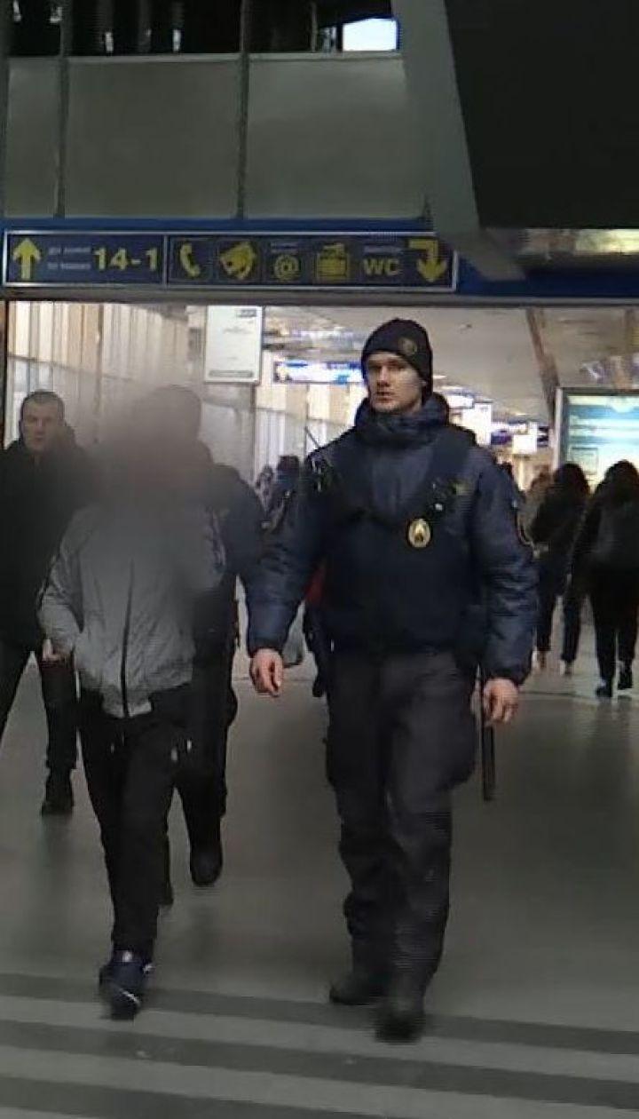 Вокзальний рейд: ТСН разом з ювенальною поліцією перевірила вокзал на наявність безпритульних дітей