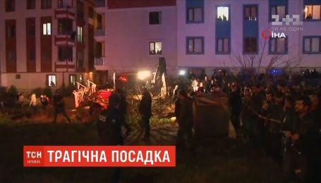 Военный вертолет разбился во время экстренной посадки неподалеку Стамбула
