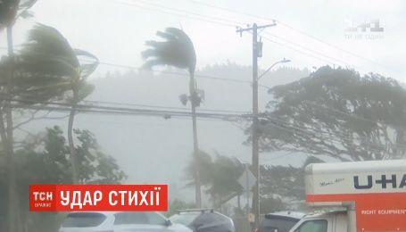 Удар стихии: мощный шторм и невиданные снегопады накрыли Гавайи