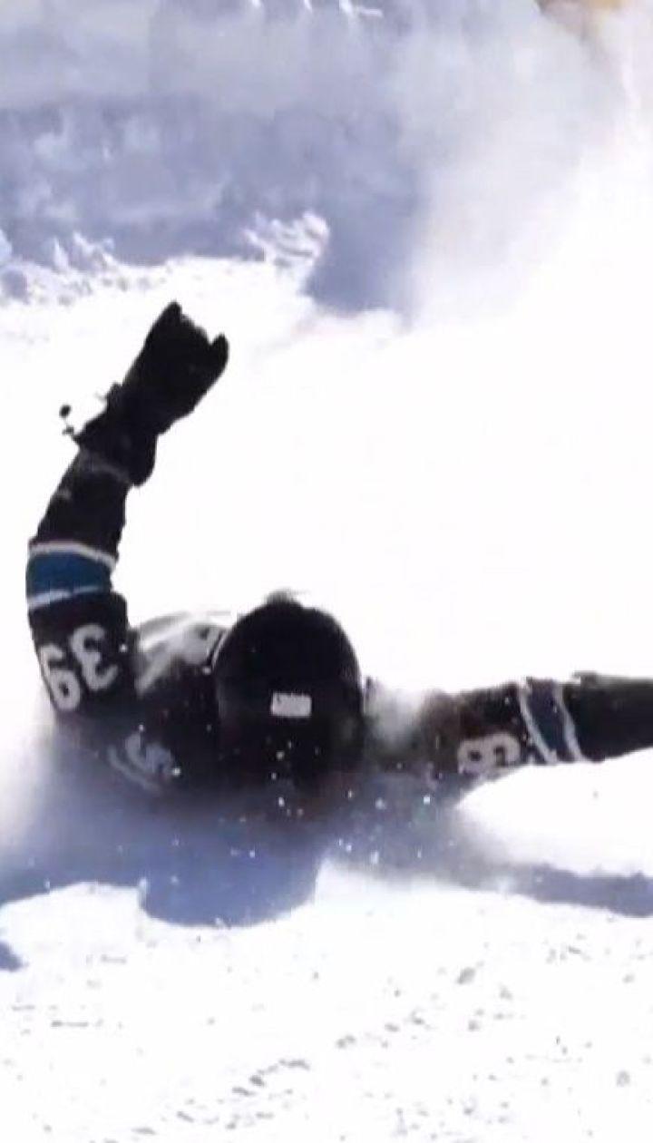 В США спортсмены на скорость спускались с горы на лопатах