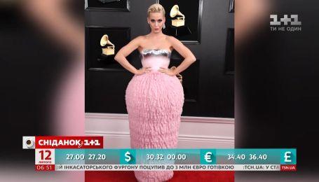 Сукня співачки Кеті Перрі стала мішенню для творців інтернет-мемів
