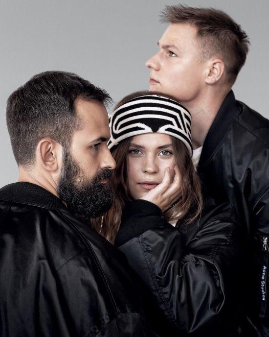 """Семпл з нашумілого хіта гурту KAZKA """"Плакала"""" відшукали у пісні трирічної давнини"""