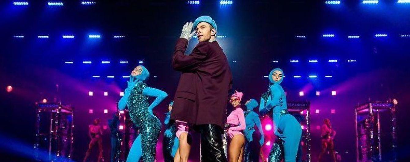 В Москве фанатка набросилась на Макса Барских прямо во время концерта