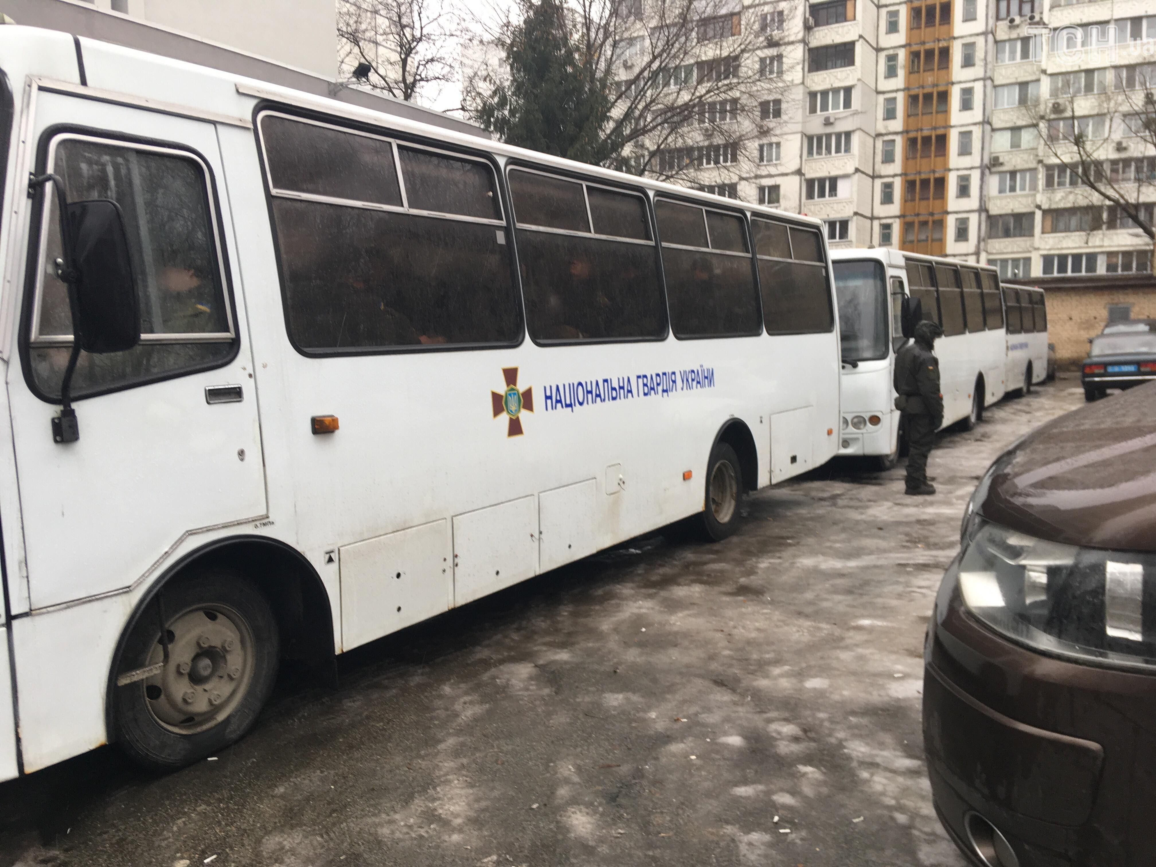 Гвардійці під Шевченківським судом_2