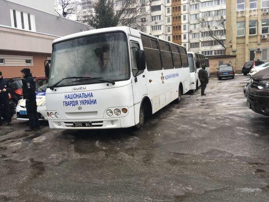 До суду над Мангером підігнали автобуси Нацгвардії