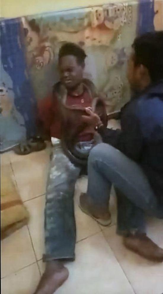 В Індонезії поліція натравила величезну змію на підозрюваного у крадіжці