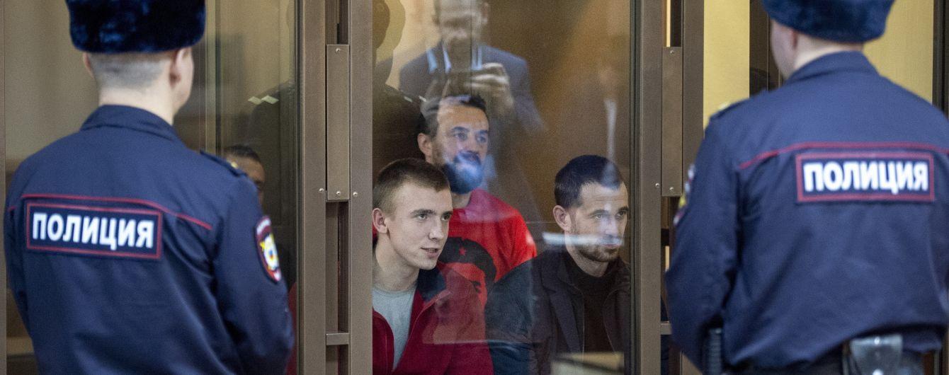 В Москве продлили арест шести украинским военнопленным морякам