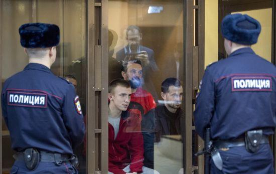 Троє поранених українських моряків досі мають осколки в тілі – адвокат