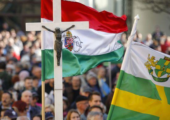 Скасування податків та пільгові кредити: в Угорщині планують збільшити субсидії багатодітним сім'ям