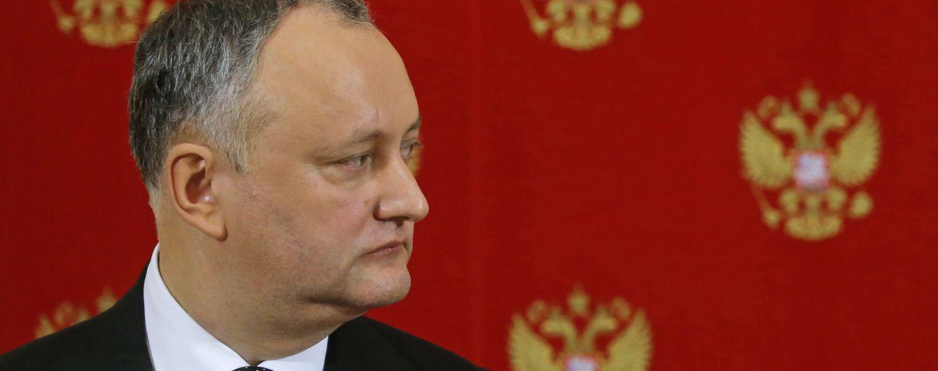 """Парламент Молдовы признал страну """"захваченной"""": Додон называет ситуацию """"близкой к взрыву"""""""