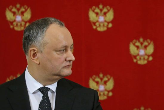 """Парламент Молдови визнав країну """"захопленою"""": Додон називає ситуацію """"близькою до вибуху"""""""